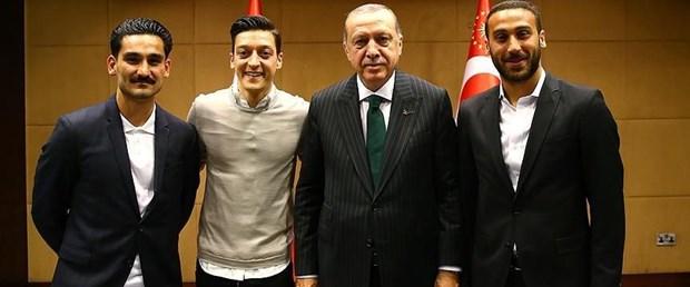 mesut özil erdoğan ilkay gündoğan160518.jpg