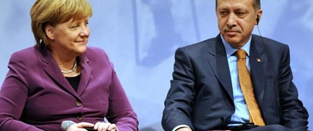 Merkel'e 6 milyon Euro'yu sordu
