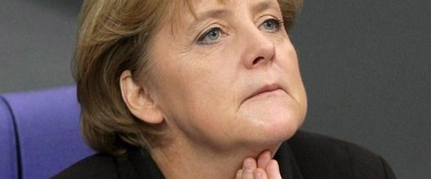 Merkel'in helikopteri düşme tehlikesi atlattı