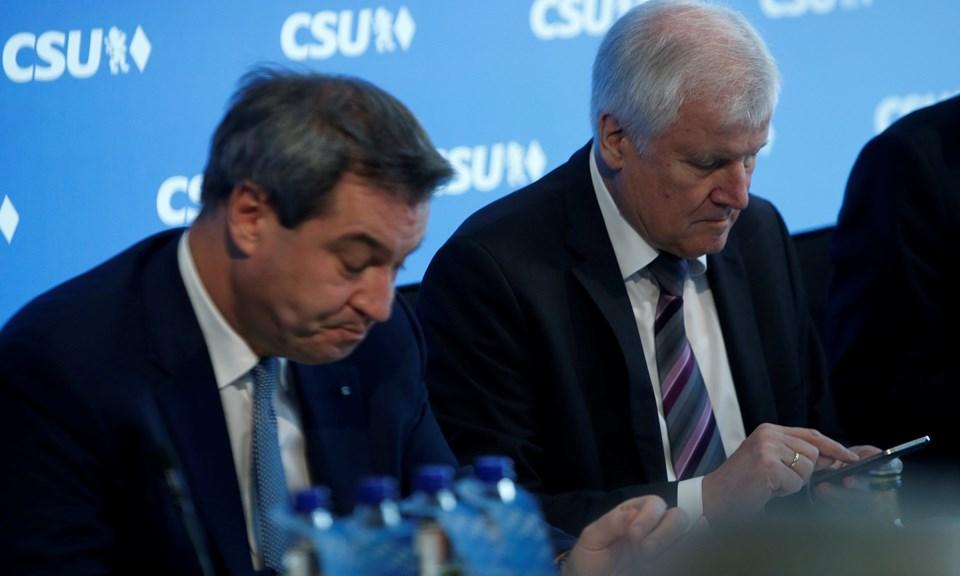 Merkel'in kardeş partisi CSU 1957'den beri ilk kez Bavyera'da tek başına iktidar olamayacak.