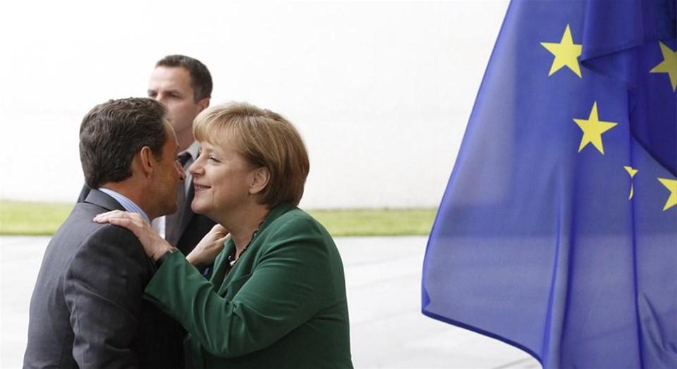 Merkel'le Sarkozy'nin borç zirvesi