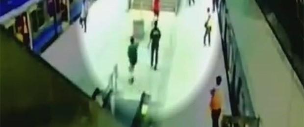Metroda bıçaklı saldırı: 4 ölü