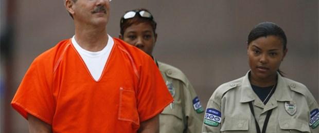 Milyarder iş adamına müebbet hapis