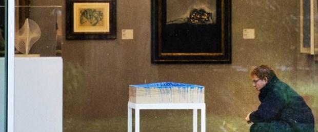 Milyonlarca Euro'luk tabloları çaldılar