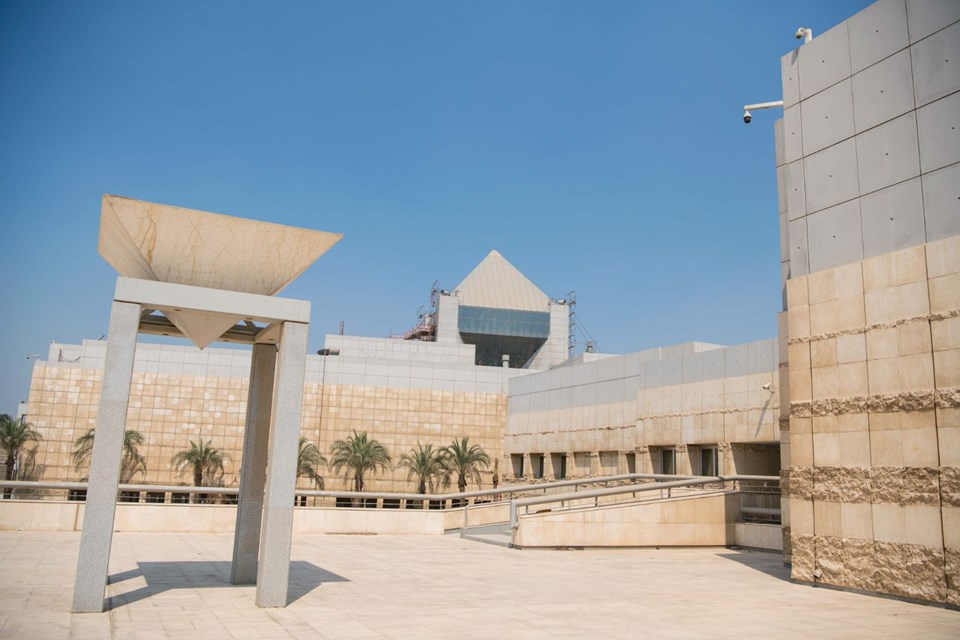 Mısır'da 2 mumyanın lahiti açıldı