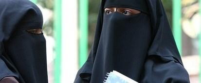 mısır-burka-üniversite011015.jpg