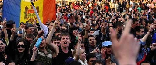 Moldova'da polis silah kullanabilir
