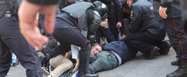 rusya polis gözaltı.jpg