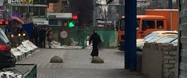moskova-metro-kadın-kafa290216.jpg