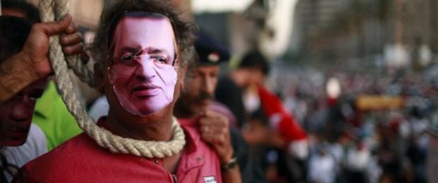 'Mübarek idama mahkum edildi'