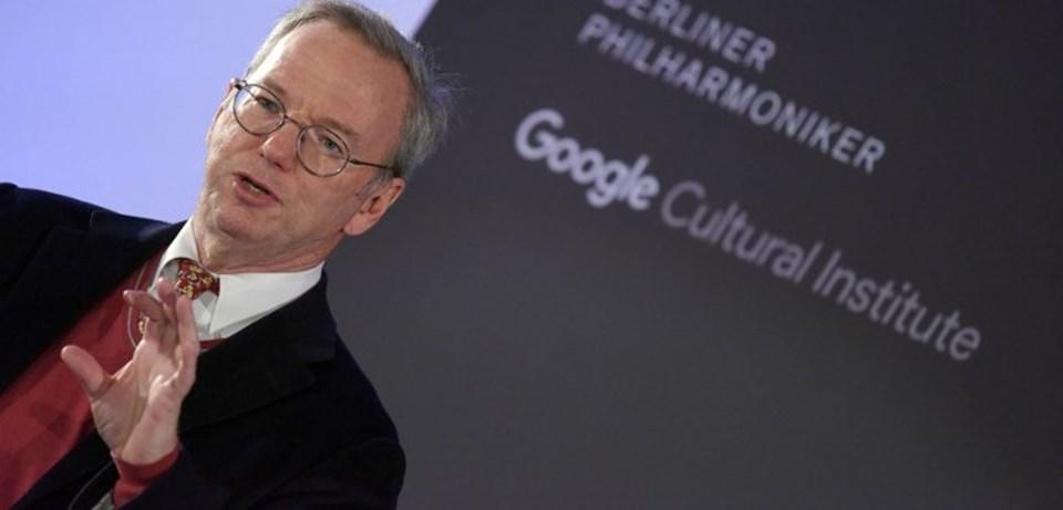 Murdoch'ın eski eşi Wendi Deng'in Google kurucusu Eric Schmidt'le de gizli aşk yaşadığı ileri sürülüyor.