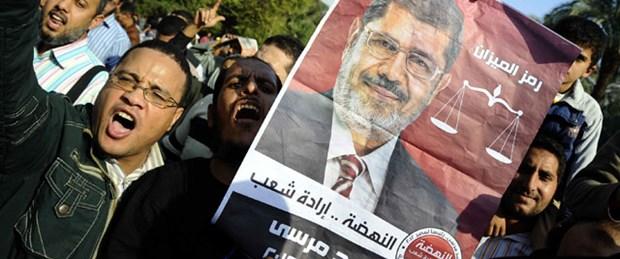 Mursi referandum için tarih verdi