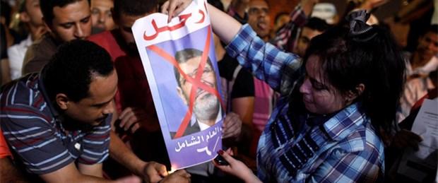 Mursi'den özeleştiri ve çağrı