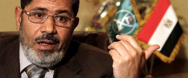 Mursi'nin 3 danışmanı istifa etti