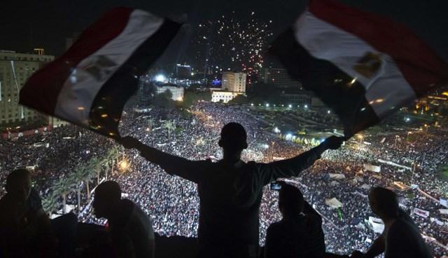 Mısır'da Mursi'nin istifa etmesi için günlerce gösteriler yapılmıştı.