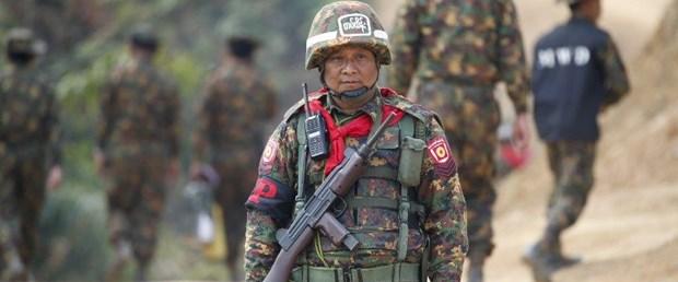 myanmar ordu arakan müslüman120318.jpg