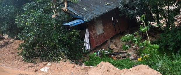 myanmar toprak kayması160819.jpg