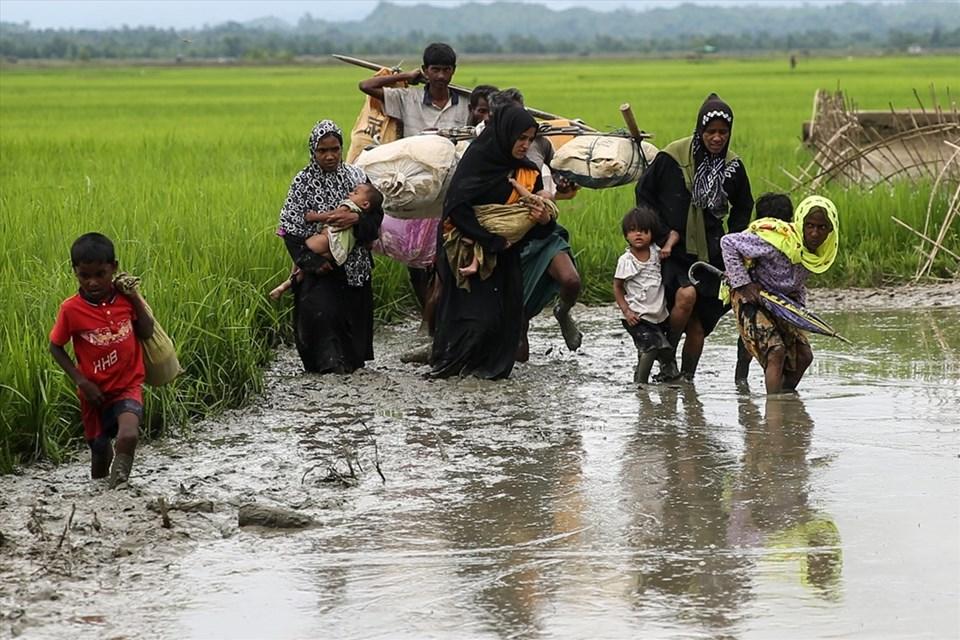 Naf Nehri, Myanmar'daki zulümden kaçanların Bangladeş'e sığındığı sınır bölgesi.