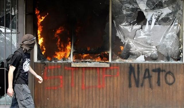NATO protestoları şiddetleniyor
