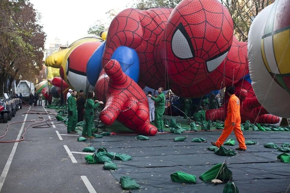 New York sokaklarında karnaval havası