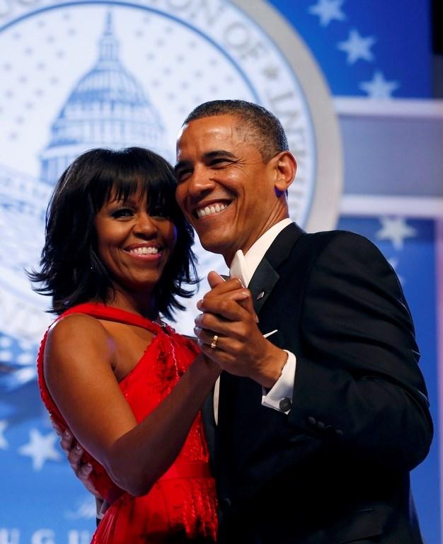 Obama çiftinden romantik dans