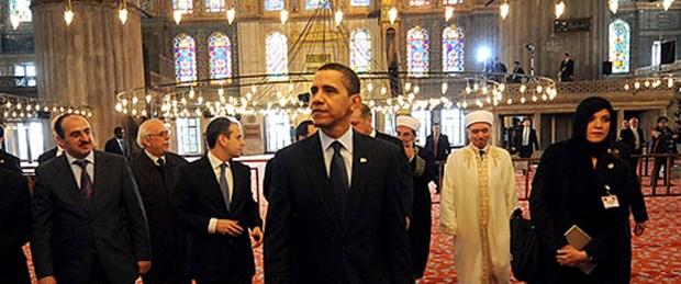 Obama Müslüman olsun diye dua ediyor