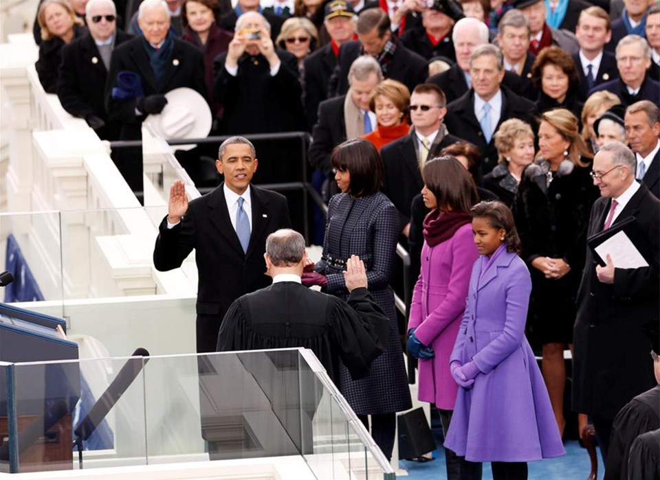 Obama yemin ederken o saklandı