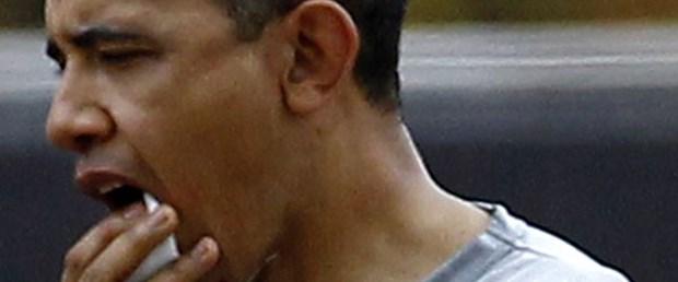 Obama'nın dudağını patlattılar