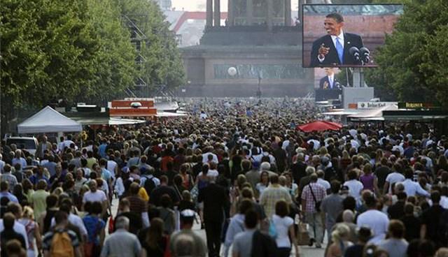 Obama'nın 2008'de Berlin'de yaptığı konuşmayı 200 bin kişi dinlemişti.
