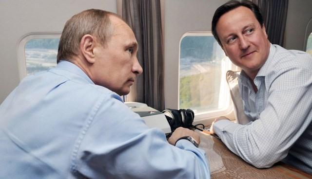 İngiltere Başbakanı David Cameron, Rusya'nın Soçi kentinde Rusya Devlet Başkanı Vladimir Putin'le görüştü.