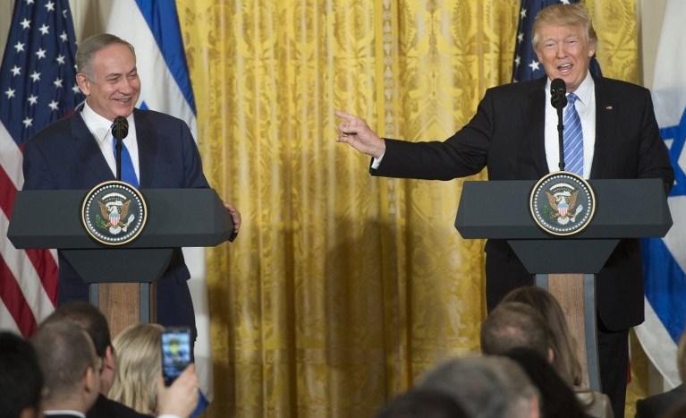 ABD başkanı seçildiktan sonra Beyaz Saray'da konuk olan ilk liderlerden biri İsrail Başbakanı Binyamin Netanyahu olmuştu.