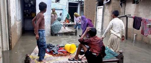 Pakistan da sel mağduru: 32 ölü