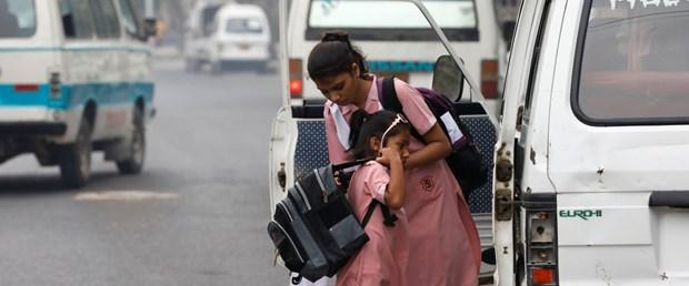 pakistan kız öğrenci