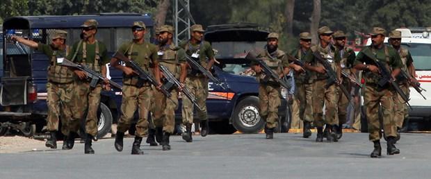 Pakistan'da intihar saldırısı: En az 34 ölü