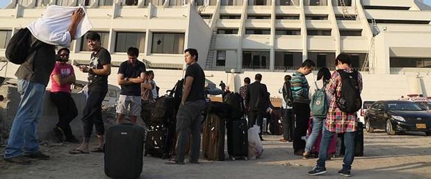 pakistan otel yangını.jpg