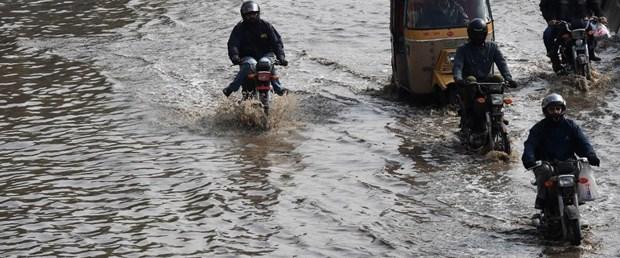 pakistan yağmur sel100419.jpg