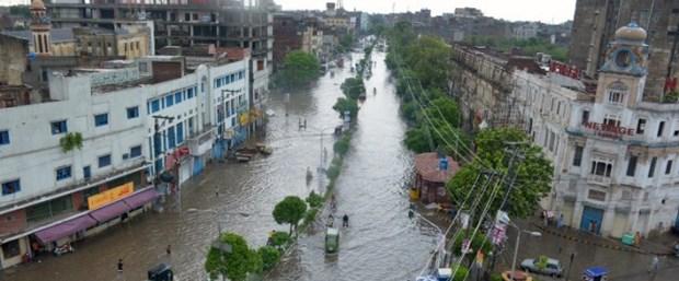 pakistan yağmur140316.jpg