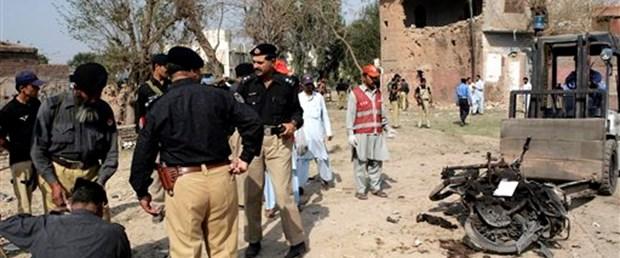 Pakistan'da yine saldırı: 11 ölü