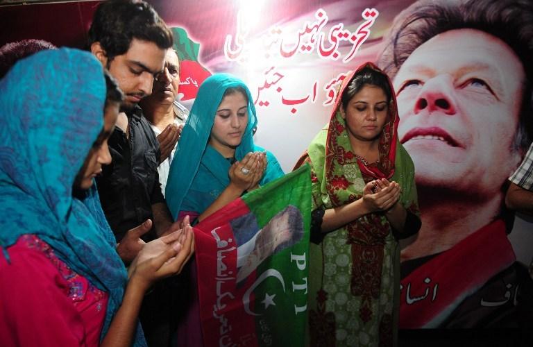 Pakistan'ın umudu asansörden düştü