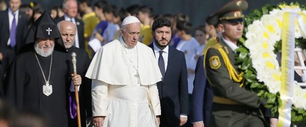 papa ermenistan.jpg