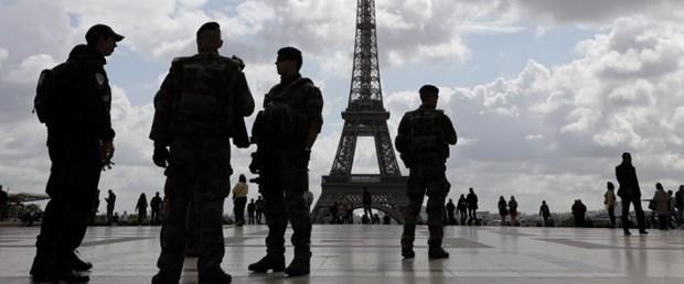 paris bıçak asker saldırı150917.jpg