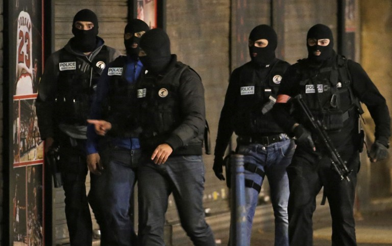 Fransız polisi saldırıların beyni Abaaoud'un peşinde