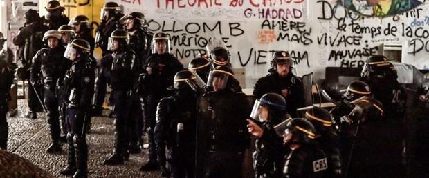 paris üniversite polis baskın200418.jpg