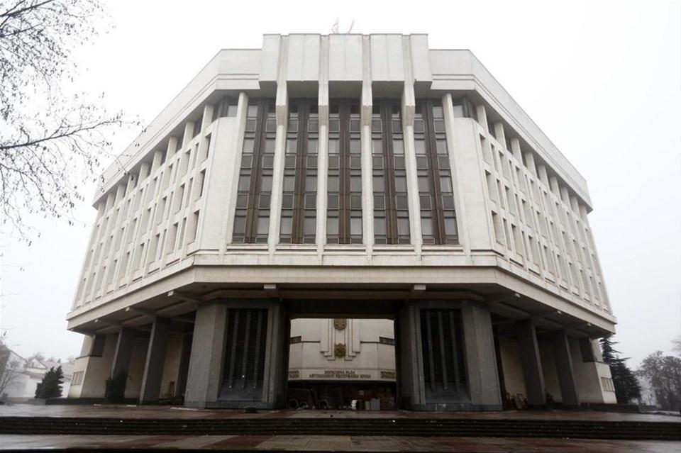 Parlamento binası ele geçirildi