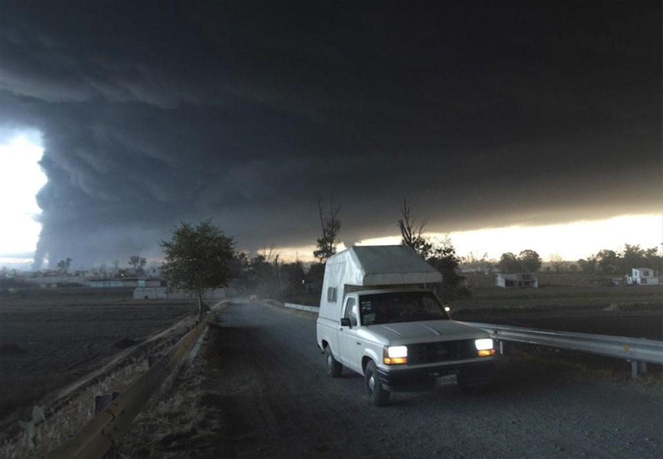 Petrol boru hattında patlama: 27 ölü