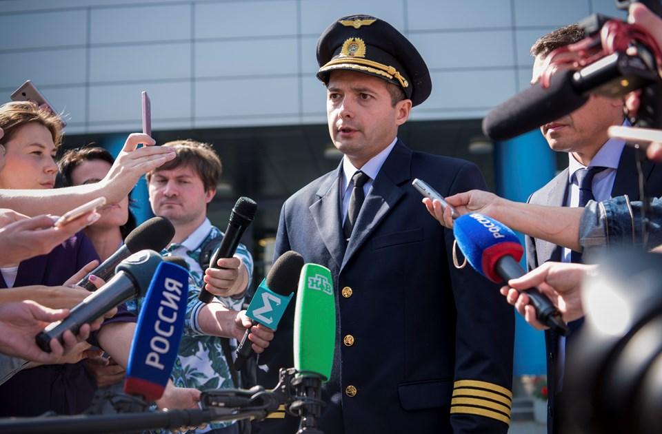 Putin mısır tarlasına uçak indiren pilotu 'Rusya'nın Kahramanı' ilan etti