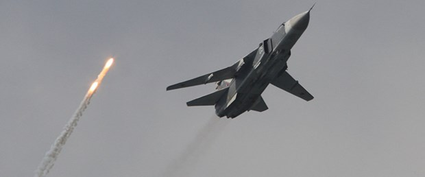 rusya suriye savaş uçağı Su-24 düştü101017.jpg