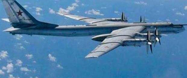 Rus uçağına Türk jeti engeli