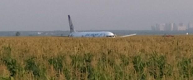 rusya uçak tarla150819.jpg