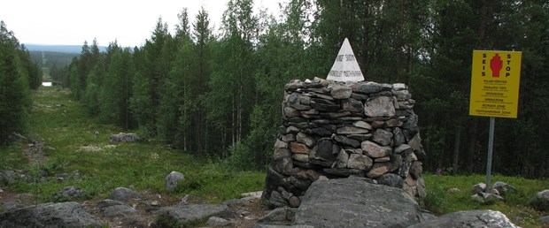 Russia-Norway-Finland_border.jpg